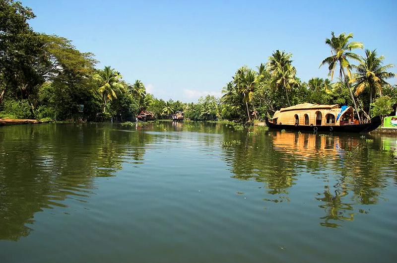 HouseBoats in Kerala Backwaters